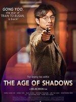 The Age of Shadows : Les années 1920, pendant la période d'occupation de la Corée par le Japon. Lee Jung-chool, un capitaine de police coréen travaillant pour la police japonaise, doit démanteler un réseau de la résistance coréenne dont il réussit à approcher l'un des leaders, Kim Woo-jin. Les deux hommes que tout oppose – mais qui connaissent chacun la véritable identité de l'autre – vont être amenés à se rapprocher, tout en continuant à dissimuler l'un à l'autre leurs propres desseins. ... ----- ...  Origine : Sud-coréen Réalisation : Jee-Woon Kim Acteur(s) : Song Kang-ho,Gong Yoo,Ji-min Han Genre : Drame,Guerre,Espionnage Année de production : 2016 Date de Sortie : 7 Septembre 2016 (Corée du Sud)  Critiques Spectateurs : 3,4