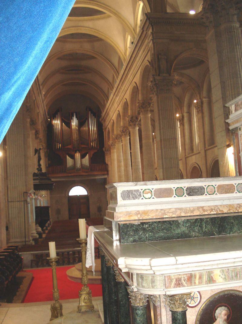 Boulogne-sur-Mer sa basilique.