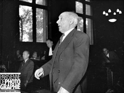 Mai 1946... Les Compagnons sont engagés pour la Folle de revue !