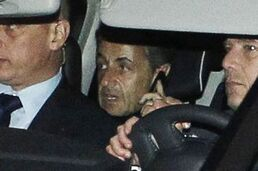 Nicolas Sarkozy à sa sortie du palais de justice jeudi soir.