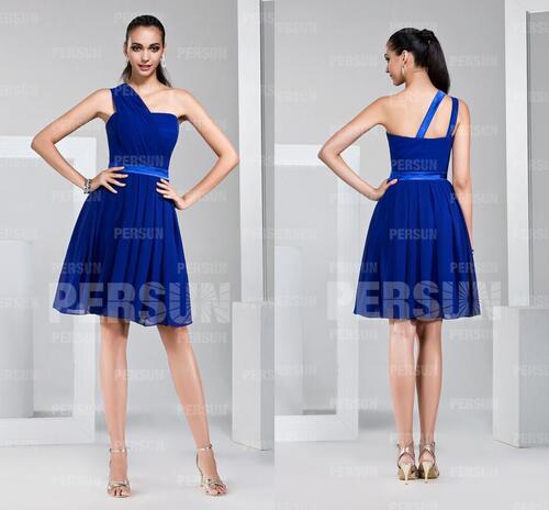 Robe de cocktail courte asymétrique bleu royal pour mariage au ras du genou