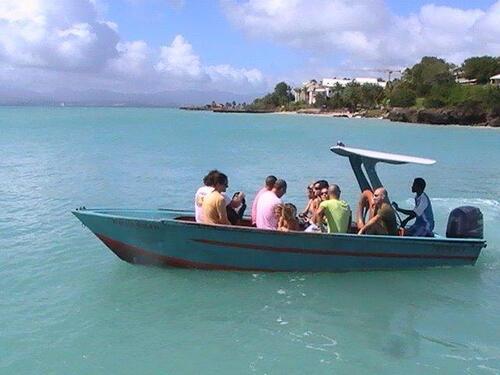 La navette au départ pour l'îlet Gosier