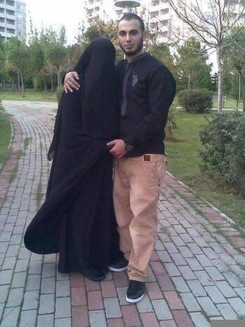 Le sujet brûlant de la semaine avec la femme dans l'Islam!