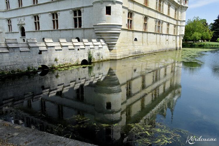 Château d'Azay-le-Rideau - Le miroir d'eau (2)