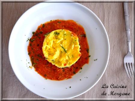 Polenta à la roquette et mozzarella, sauce pesto rosso maison
