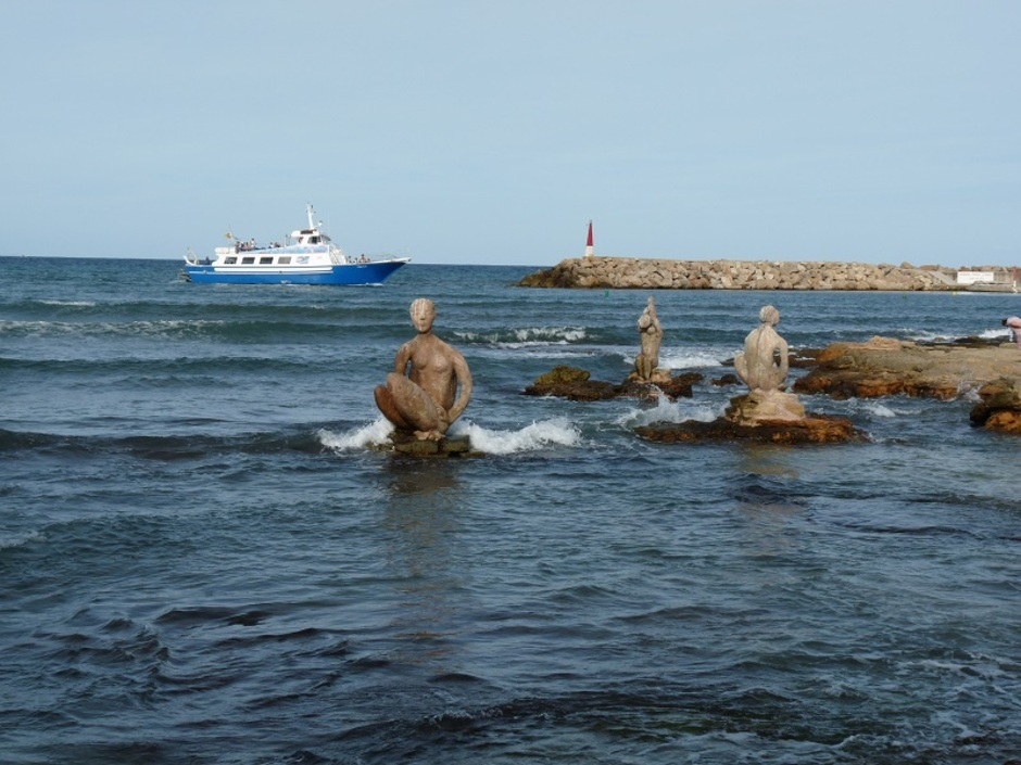 Statues dans la mer