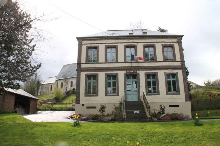 Mairie de Quetteville.JPG