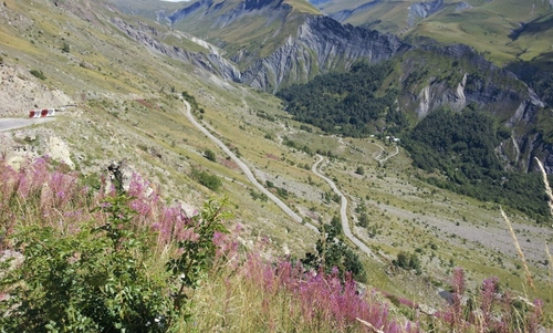 - Alpe d'Huez, Sarenne, Auris