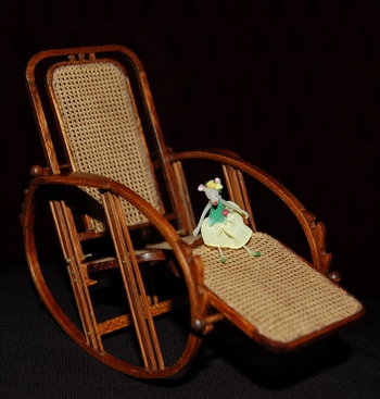 egg rocking chair et toboggan