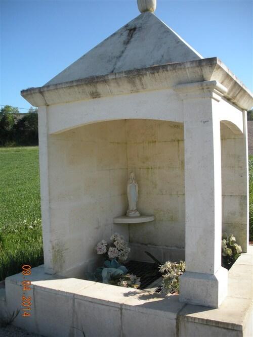 La Fontaine Notre Dame ( berneuil)