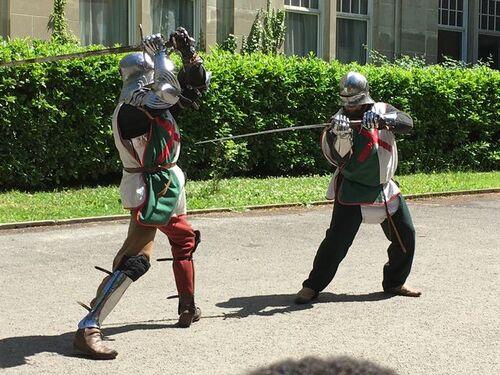 Des chevaliers au Petit Collège