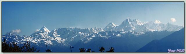 Blog de images-du-pays-des-ours : Images du Pays des Ours (et d'ailleurs ...), Traversée des collines entre Nagarkot et Katmandou: panoramas 3D sur l'Himalaya est - Népal