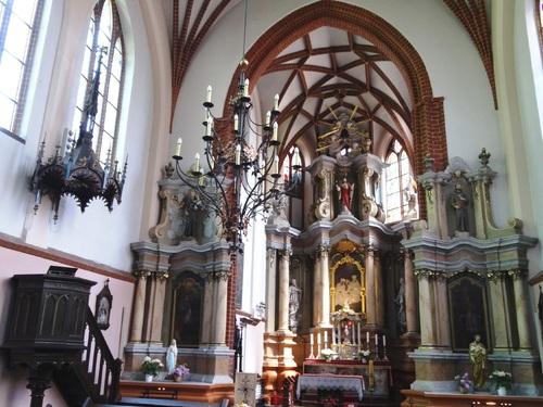 Vilnius: églises zumelles Zainte Anne et des Bernardins
