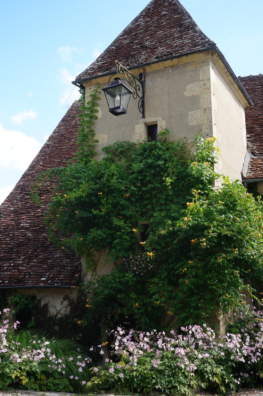 Apremont sur Allier le village 1 2 Le Jardin de Patou