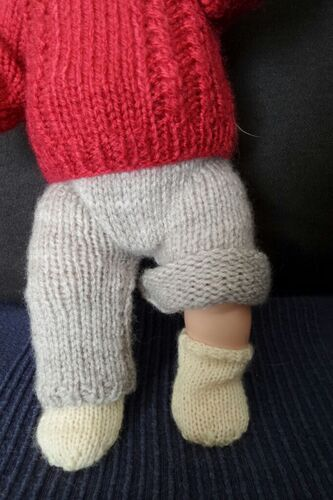 Tricoter des chaussettes pour poupée