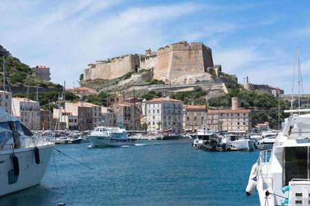 """Résultat de recherche d'images pour """"citadelle bonifacio"""""""