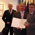 """jean-Pierre Salaün reçoit un """"Vase d'Honneur"""""""