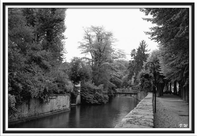 Nemours : le canal du Loing