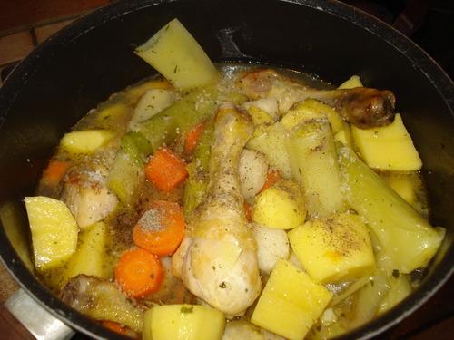 Une Mijotée de Légumes d'Hiver et ses pilons de Poulet