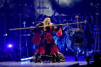 Rebel Heart Tour - 2015 12 01 London (34)