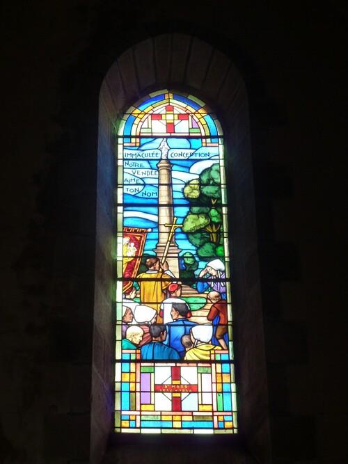 Les vitraux de Saint-Mars-la-Réorthe....