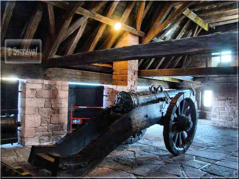 Haut Koenigsbourg le Grand Bastion copies canons 17ème et 18ème siècles