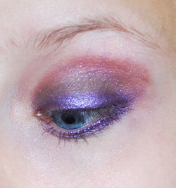 violet posé sur crayon jumbo base