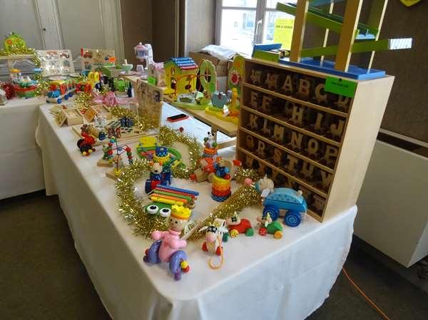 Le marché de Noël 2015 du Zonta Club de Châtillon sur Seine a lieu encore aujourd'hui dimanche 6 décembre