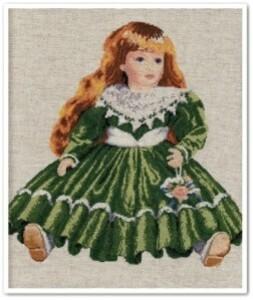 poupée en robe verte 9