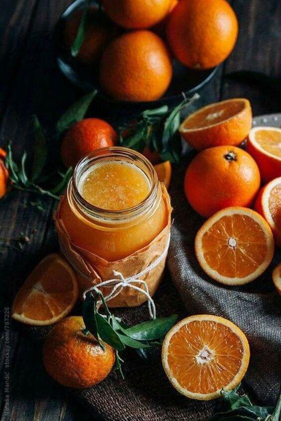 L(orange à table