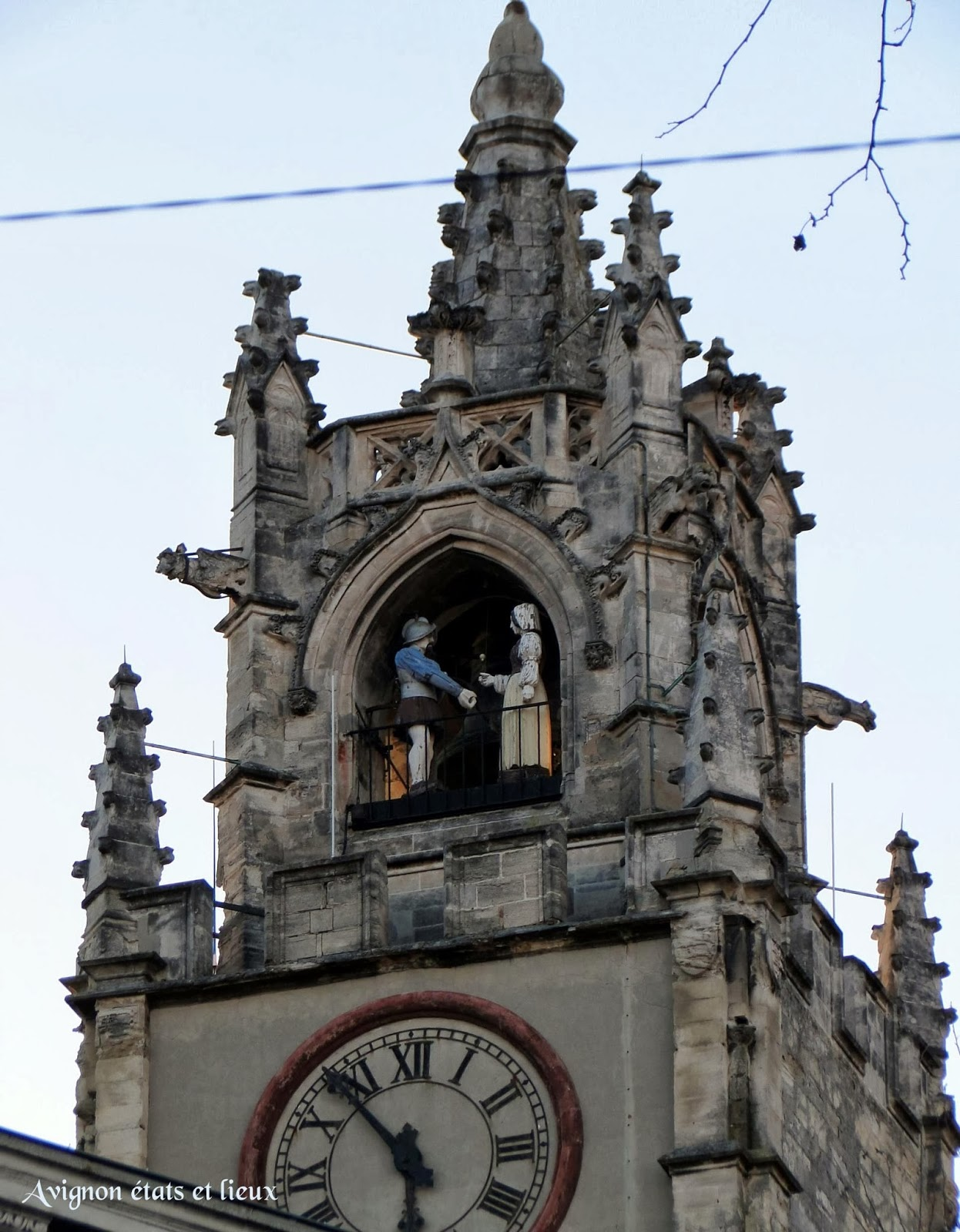 Impressions d'Avignon: Le Jacquemart de la Tour de l'Hôtel de Ville