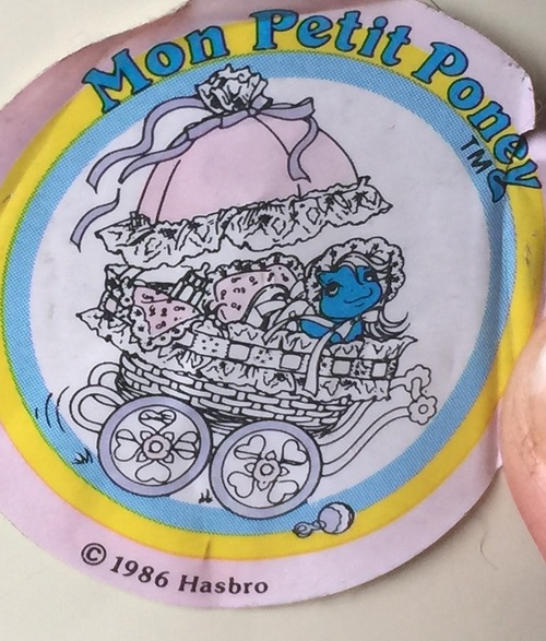 Stickers vendu avec les petits poneys  FT6Gcd1nI9ZagA02ElNfbDYaWXQ@500x587