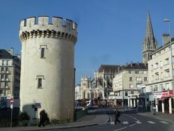 LES REMPARTS DE CAEN (Calvados)