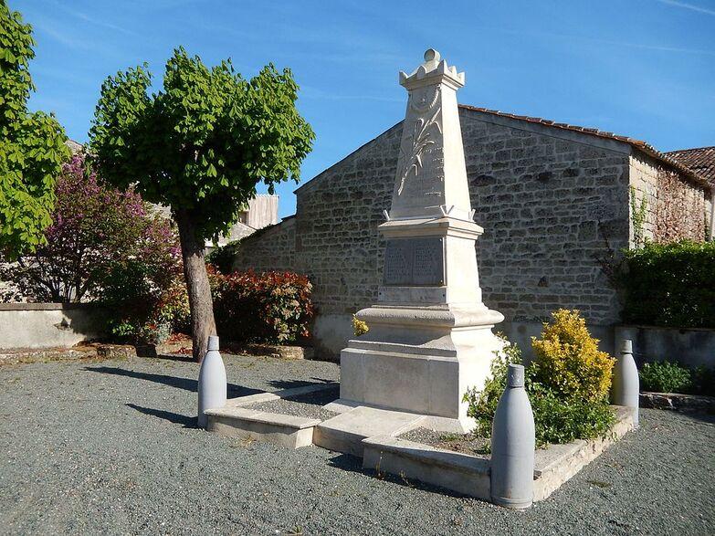 FR 17 Coivert 01 Monument aux morts.jpg