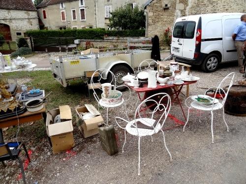 Le vide-greniers de Bellenod sur Seine...