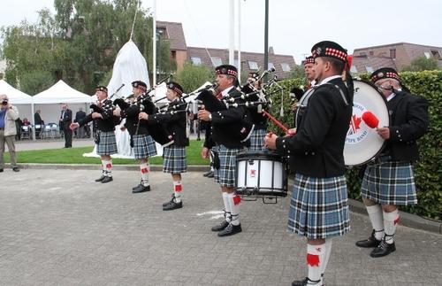 Inauguration d'un monument en hommage aux Para-commandos... Discours + photos