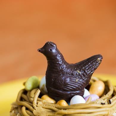 Petite poule en chocolat ...
