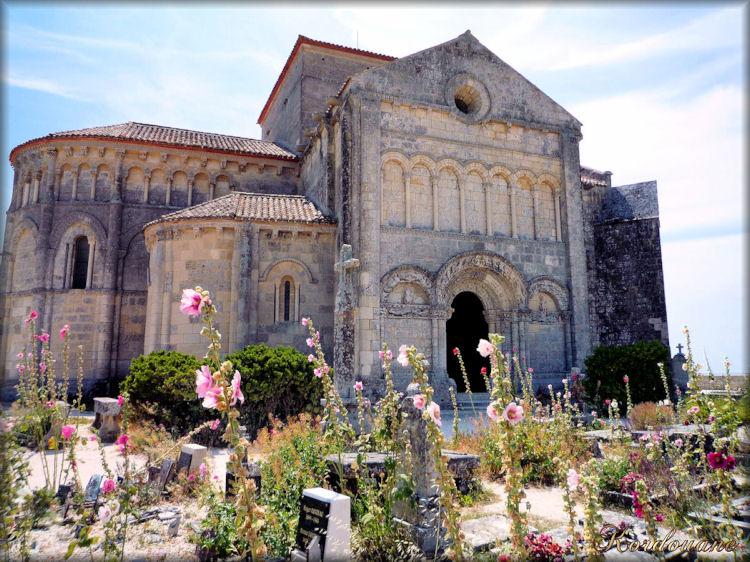 Talmont, l'église Ste Radegonde