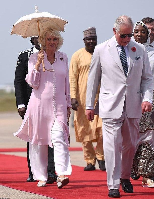Charles et Camilla au Nigéria