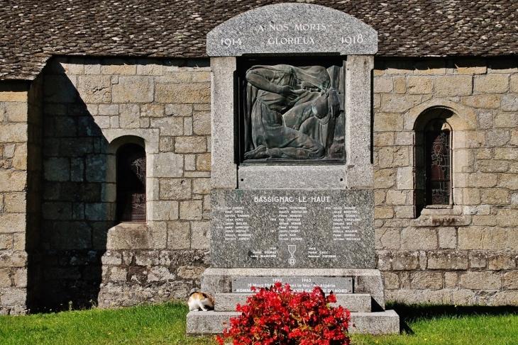 Monument-aux-Morts - Bassignac-le-Haut