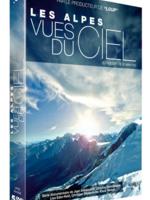 Les Alpes vues du ciel Integrale : De la Slovénie jusqu'à la France (Slovénie, Autriche, Allemagne, Italie, Suisse et France) cette serie propose une découverte inédite des Alpes, un voyage unique au dessus de la plus grande chaîne de montagne d'Europe.  Les magnifiques prises de vues aériennes réalisés à l'aide d'une caméra Cinéflex permettent de redécouvrir ses principaux sommets, lacs, alpages verdoyants, aiguilles rocheuses, neiges éternelles.  Rencontres avec ceux qui vivent dans les montagnes et les vallées: agricultrices, hôteliers, bergers, sportifs, moines et pisteurs. La majorité d'entre eux sont jeunes et manifestent une grande volonté de concilier les traditions, la protection des sites et le progrès technique. ...-----... Origine du film : Slovénie, Autriche, Allemagne, Italie, Suisse et France  Réalisateur : Jean Afanassieff, Christian Schidlowski, Lisa Eder-Held, Christian Stiefenhofer, Klaus Steindl.  Coproduction : ARTE G.E.I.E., VIDICOM, MC4, ZDF, RTS, SWR, BR, MONTAGNE TV  Genre : documentaire   Durée : 15 episodes de 43 minutes  Date de sortie : Septembre 2012  Année de production : 2011