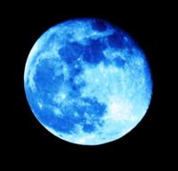 Lune de Sang Bleu !