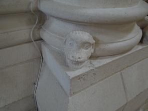 Abbaye St Joint de Marnes -79-   2/2