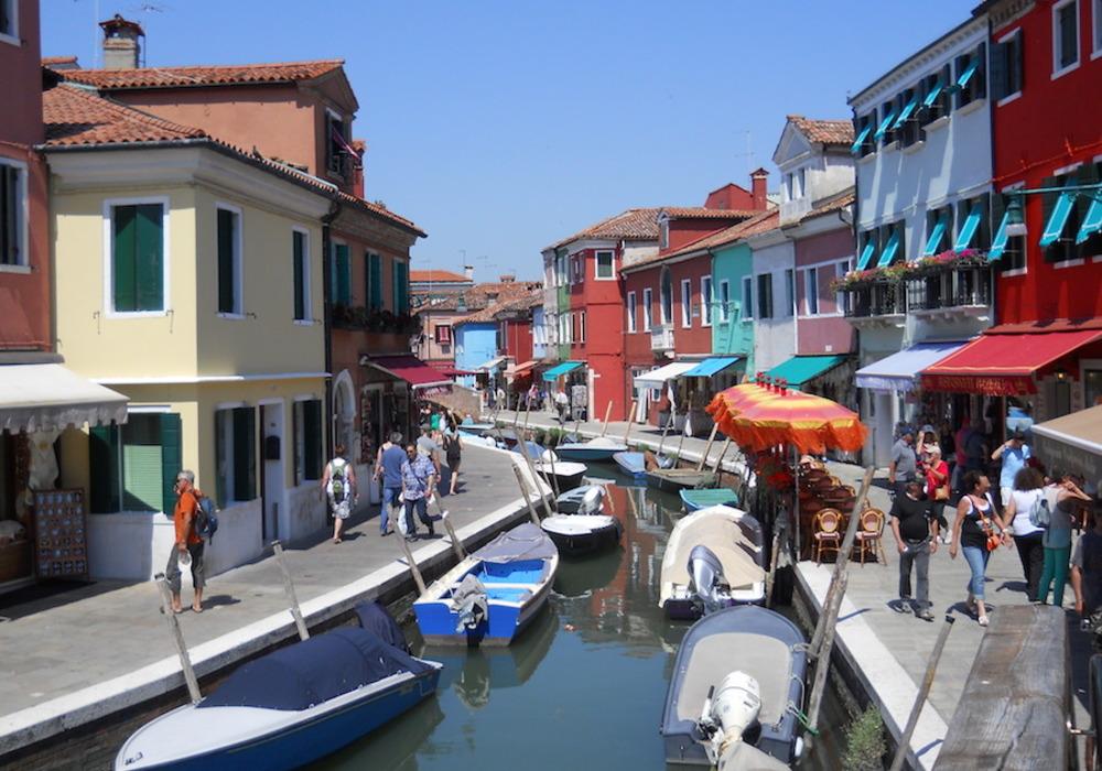 Venise (suite) une petite île face àVenise....BURANO