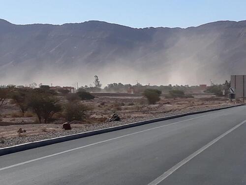 Ce vent ravageur soulève beaucoup de poussière