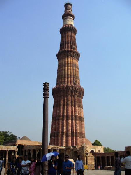 le pilier de fer de Delhi (iron pilar)