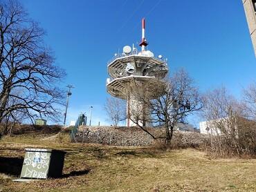 Montfaucon - Relais des télécoms - Belvédère et point de vue