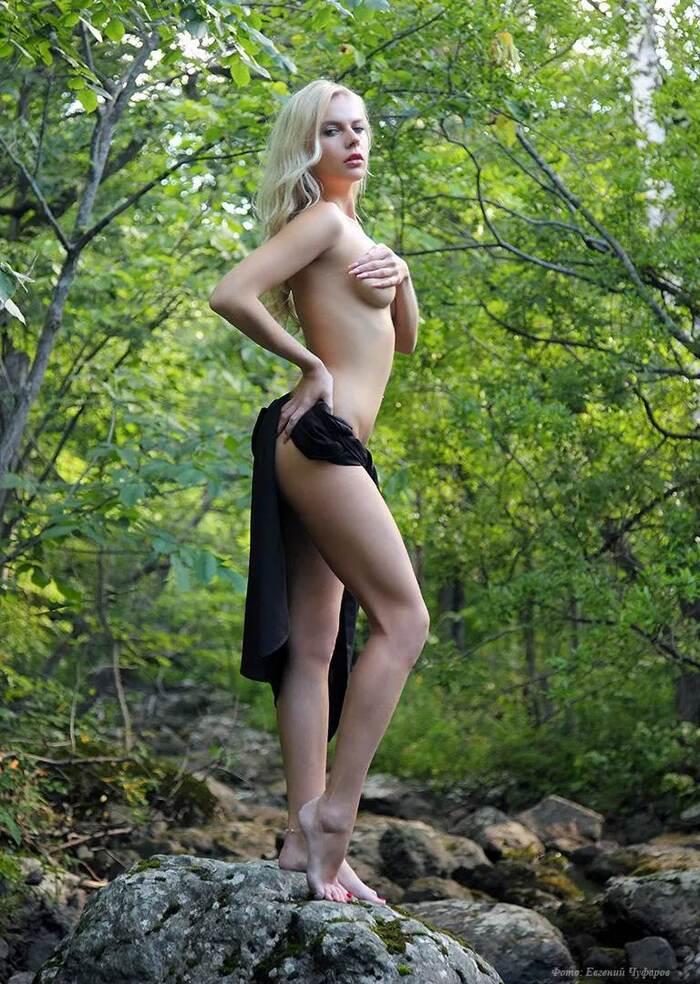 Sensuality by............. Euqchel...........Belles photos de femmes sensuelles...