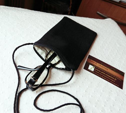 V2 - Etui molletonné téléphone mobile, lunettes, maquillage, 17,5 x 10 cm, avec cordon, tissu coton imprimé japonais bleu / gris motifs végétaux / fermeture éclair