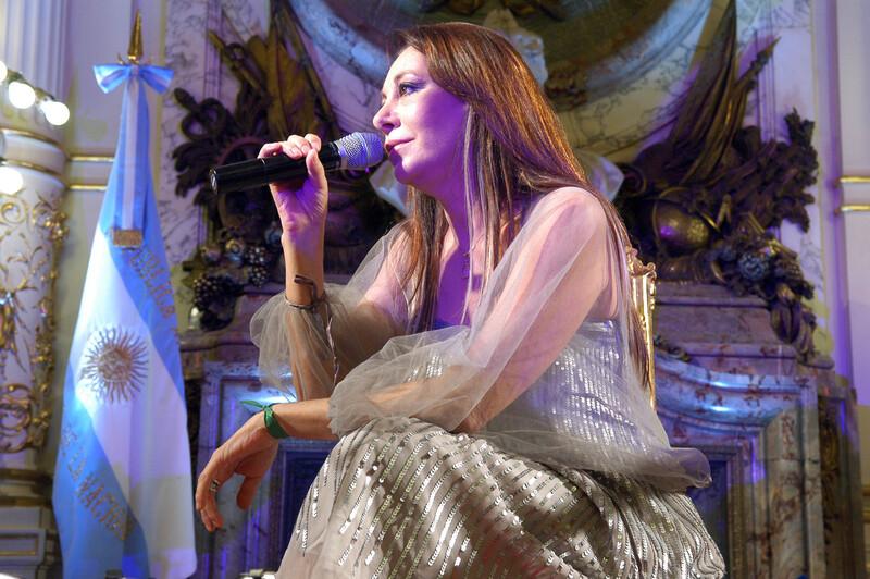 Musique:  Adriana Varela